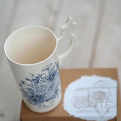 Порцеланова чаша Пролет