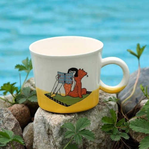 Ръчно изработена порцеланова чаша Art.E Handmade - Book Lover