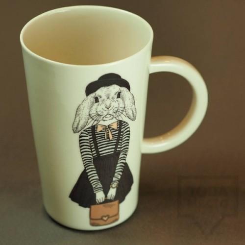 Ръчно изработена порцеланова чаша Art.E Handmade - Hipster Bunny