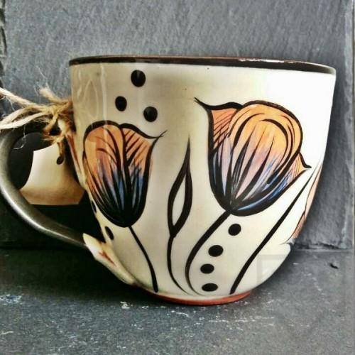 Ръчно изработена керамична чаша CeramicsS - Вълшебни лалета