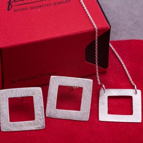 Сребърни обеци Feelosophy - bold квадрат