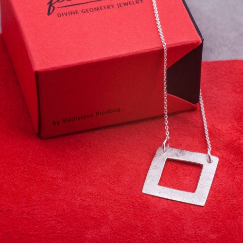 Silver necklace Feelosophy - bold square
