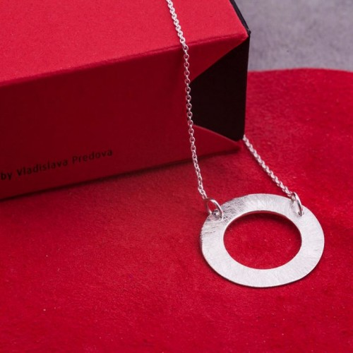Silver necklace Feelosophy - bold circle