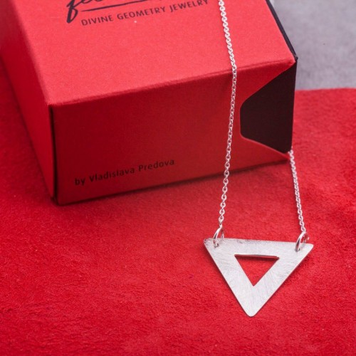 Silver necklace Feelosophy - bold triangle