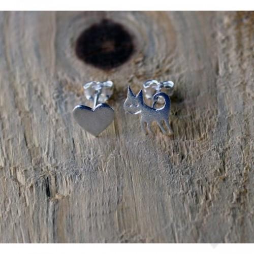 Сребърни обеци Gargorock - сърце и коте