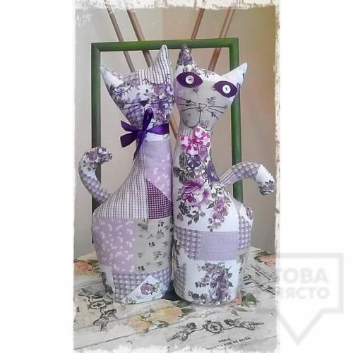 Декоративна ръчно изработена кукла I.CLOTHING - лилава котка