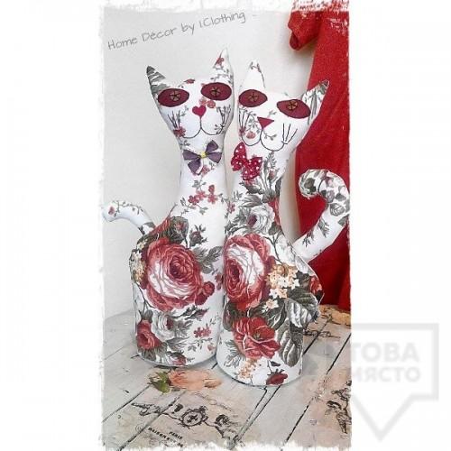Декоративна ръчно изработена кукла I.CLOTHING - червена котка