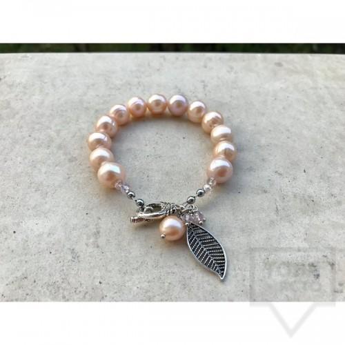 Ръчно изработена гривна Jewellery by Emilya - перли праскова