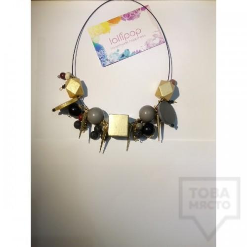 Ръчно изработено колие Lollipop - дървени топчета и висулки - златно и сребърно