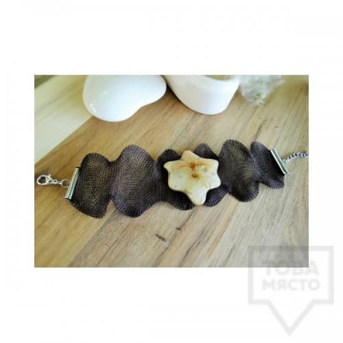 Дизайнерска гривна Megan Flower - орхидея