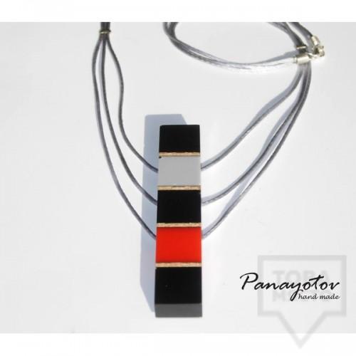Дизайнерско колие Panayotov Handmade - red cubes