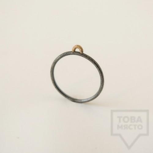 Сребърен пръстен Pin - със златен елемент 2 оксидиран