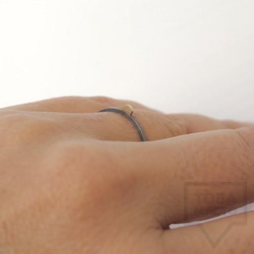 Сребърен пръстен Pin - със златен елемент 5 оксидиран