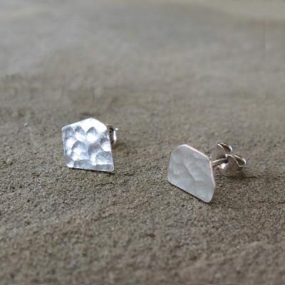Асиметрични сребърни обеци Pin - сребристи