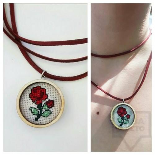 Колие ръчна изработка VelvetLeaves - embroidery шевица роза
