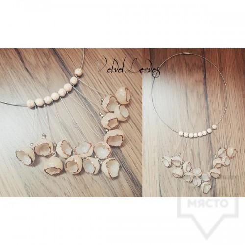 Ръчно изработено колие VelvetLeaves - clay bells beige