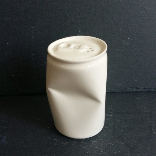 Ръчно изработена порцеланова солница -смачкано кенче - Korchev Design Studio - white