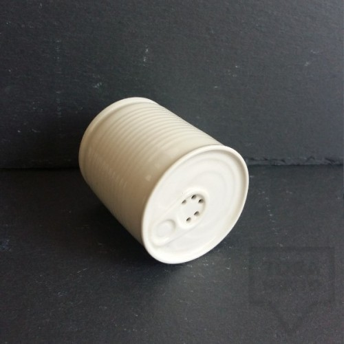Ръчно изработена порцеланова солница - консерва - Korchev Design Studio - white