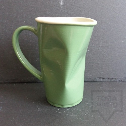 Ръчно изработена порцеланова чаша Korchev Design Studio - big green can