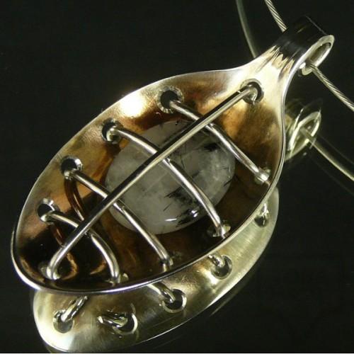 Ръчно изработен медальон Krasi&Iv - турмалинов кварц